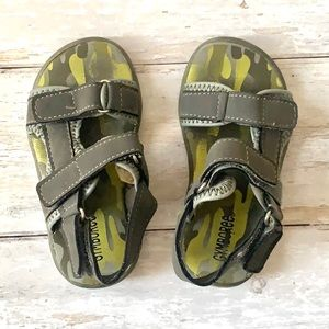 Teva Style Toddler Boys Sandals Size 7 Gymboree